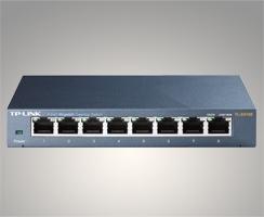 Switch de bureau 8 ports 10/100/1000Mbps – Boîtier métal