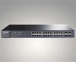 Switch 24 ports Gigabit smart PoE avec 4 emplacements combinés SFP